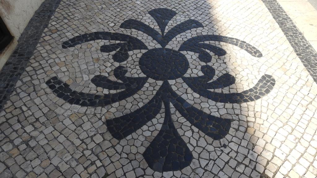 https://escapadesdemalou.com/2018/01/les-trottoirs-portugais-un-patrimoine-culturel/